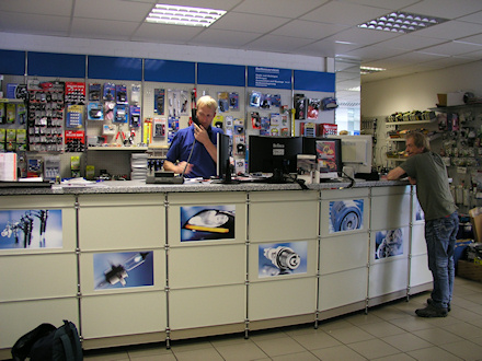 Bilder/Autoteile-ShopB1.jpg